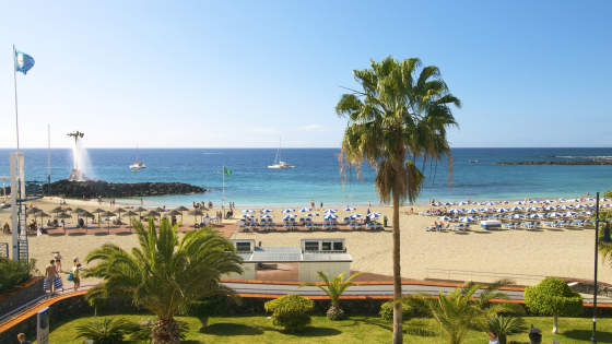 Travel to a nice beach in Tenerife with TUI